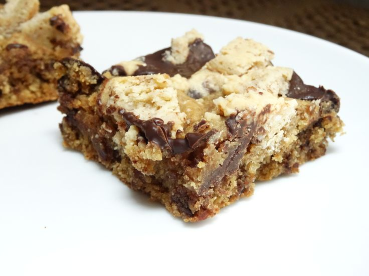 Chocolate Chip Cookie Square with Crumble - paleo, gluten free, dairy free, treat, sweet