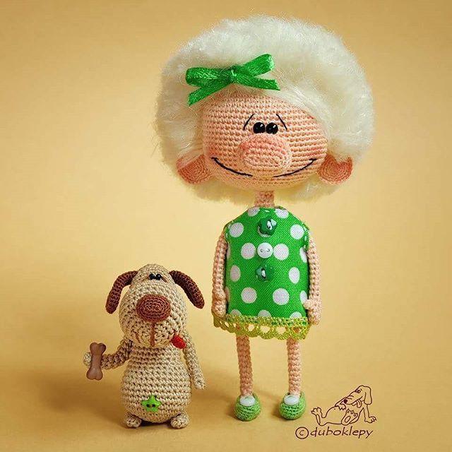 Девчуля-одуванчик и её верный прожорливый пёс Идут ...❤️