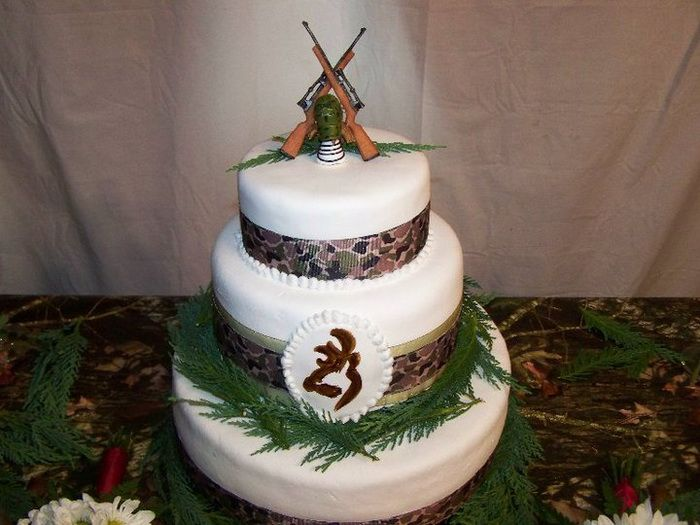 Camo Wedding Cakes for Country Wedding