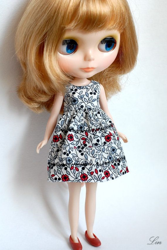 Blythe doll cotton red flowers dress by LinLinn on Etsy