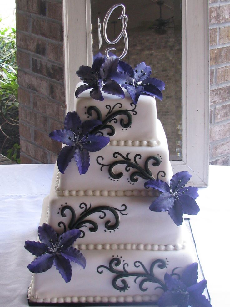 Elegant Purple Amp Floral Wedding Cake Done Exclusively By