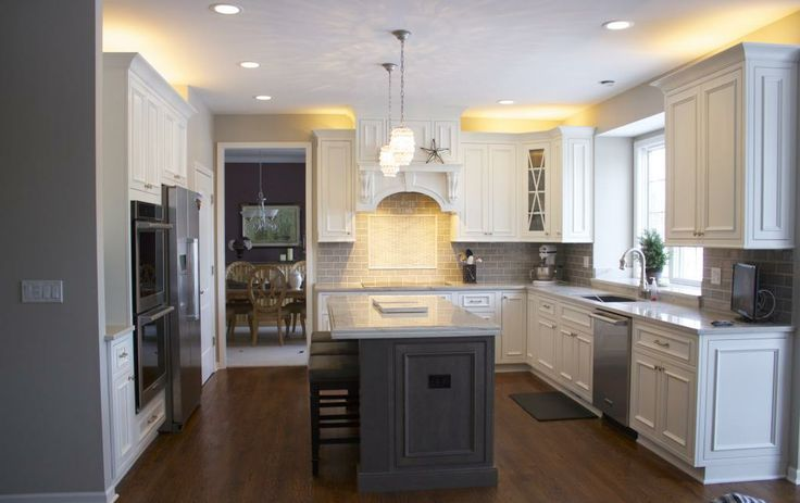 Best Shiloh Cabinets W Gray Crackle Subway Tile Kitchen 640 x 480