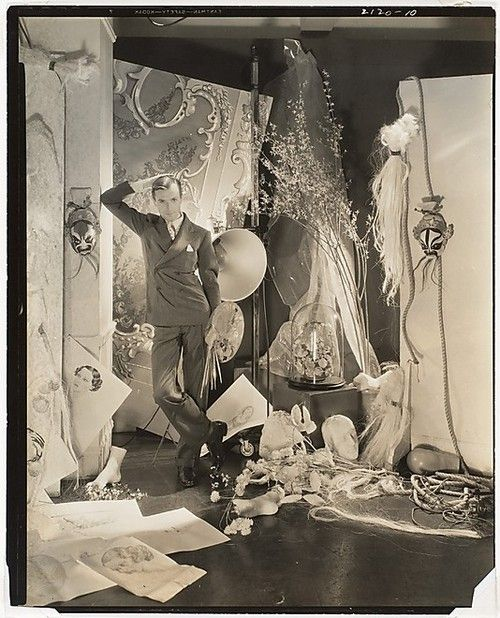 Self-portrait in studio. Cecil Beaton, 1930s.