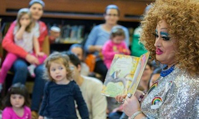NY library presents 'Drag Queen Story Hour' to kids – GOPUSA