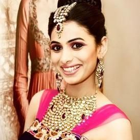 Bridal jewellery is an expression of your personal style and taste. But, it is important to buy the right kind of jewellery keeping your facial structure and skin tone in mind. Follow some expert tips to buy jewellery as per your face and skin tone.