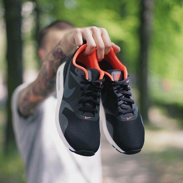 9c2381a4f1b7 ... czech neue schuhe gibts mit deiner impericonorder httpimpericon black  darkwhite shoesreeboknike air nike air max tavas