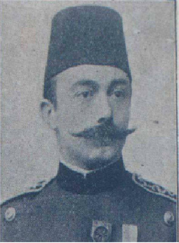 """Türk göz hekimliği tarihinde önemli bir yeri olan Dr. Mehmet Esat Işık, Paris'teki eğitimi sırasında tıp literatürüne """"Dr. Esat oftalmoskopu"""" olarak geçen çift aynalı oftalmoskopu geliştirmiştir. Dr. Esat Işık, 1899'da İstanbul'daki Askeri Tıbbiye Mektebi bünyesinde Türkiye'nin ilk modern göz kliniğini kurmuştur."""