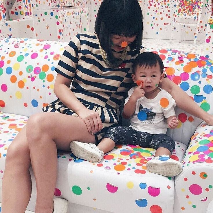Oh my dots!  Here is @celine_tan_ at @nationalgallerysingapore enjoying one sensory filled afternoon with the kids.  More info below. .  Calling the young and young at heart! The first edition of the Childrens Biennale a four-month-long festival organized by the Gallery invites you to discover art in a whole new way. Explore dreams and stories through site-specific installations interactive artworks and a stimulating line-up of music performances film showcases and art-inspired programs…
