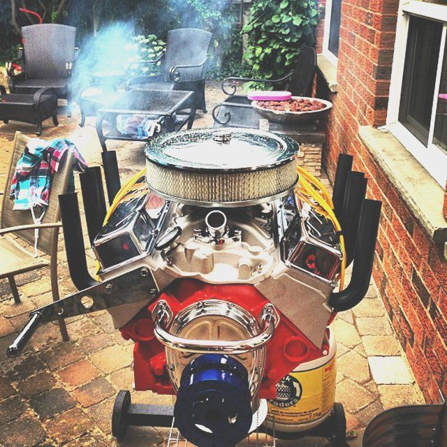 Manufactured by one of the largest gas grill manufacturers in the industry, the V8 Engine Bbq Grill by Hot Rod Grills is absolutely the grill that can rule your BBQ parties.