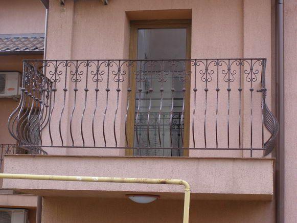 S.C. VIDAS MET S.R.L. - Modele balustrade, scari si balcoane din fier forjat - Model: 36BSB18 - Îmbinând tehnologia germană de ultimă oră cu tehnicile tradiţionale de prelucrare a fierului, putem realiza la comandă, aproape orice model din fier forjat (porţi, garduri, balustrade, grilaje, ...