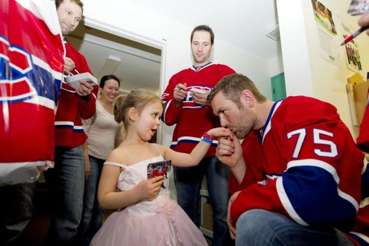 Not a Habs fan, but its nice to see even big tough hockey players are softies when it comes to visiting kids in the hospital