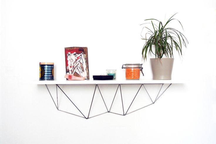 Fixation géométrique pour étagère murale n°1 en acier : Meubles et rangements par bluey-creation