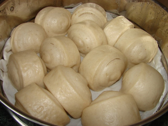 Sunflower Food Galore: Mantou 饅頭 - plain steamed bun