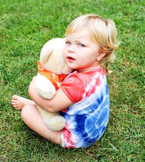 DIY Patriotic tie-dye. Perfect for tomorrow's Fourth of July celebration and great family fun!