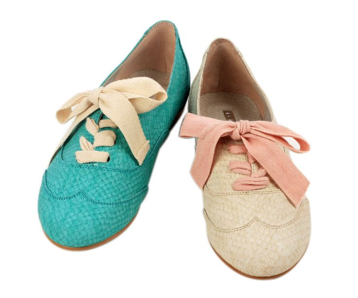 Bunny in Wonderland Oxfords >> What fun!Wonderland Oxfords, Romantic Vintage, 1950S Style, Shoes Fashion, Oxfords Shoes, Flats Shoes, Flat Shoes, Bunnies, Tennis Shoes