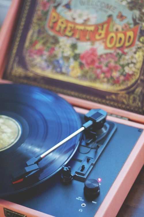 I would love to have that vinyl  ♥ pretty odd ♥   Panic!At The Disco