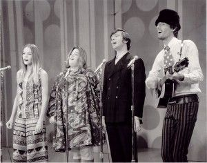 The 13 Best Harmony Songs - The Mamas and The Papas