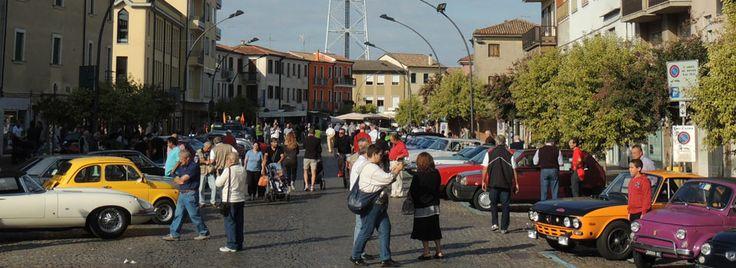 Ad Adria arrivano le 500 ma non solo...  Fedele alla propria mission Delta Sport sostiene il raduno turistico organizzato da Epo-Car riservato alle piccole di casa Fiat ed alle auto storiche in genere. Con l'obiettivo primario di continuare a sostenere l'automobilismo in Polesine, sportivo e non, Delta Sport si fa promotrice del...  Continua a leggere cliccando qui > http://www.delta-sport.it/ad-adria-arrivano-le-500-ma-non-solo/