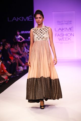 Blush Mul Kurta with Embroidered Border worn with Gold Cutwork Jacket and Churidaar. Shop The Look t http://www.payalsinghal.com/off-the-runway/ruxana-suit