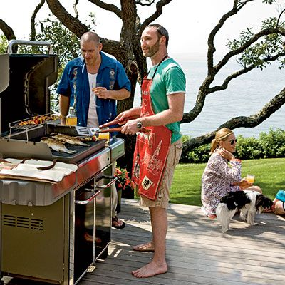 Fathers' Day: Celebrate with our no-hassle cookout menu.