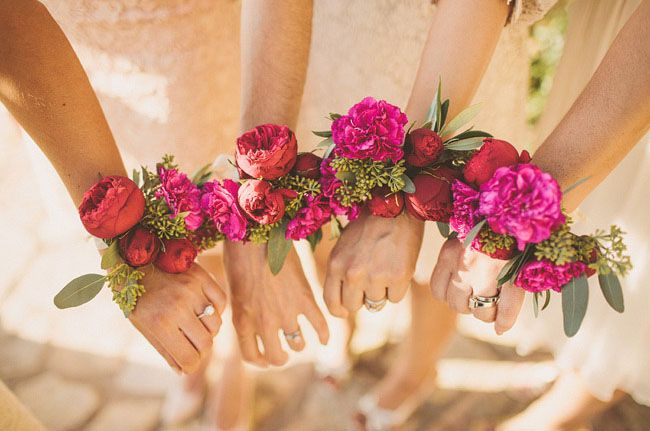 Fun flower alternative for your bridesmaids - pretty flower wrist corsages
