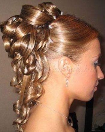 félkontyok+-+esküvői+frizura+-+félkonty+