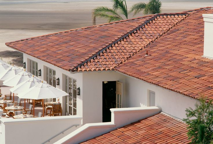 Redland clay tile old sedona blend color white stucco for Mission stucco