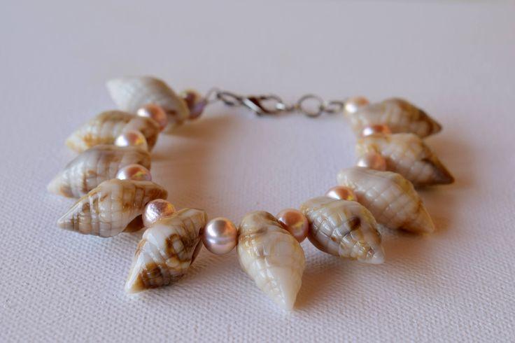 Sea Shell & Freshwater Pearl Bracelet, Beach Bracelet,hippie style, Mariella's Code. by mariellascode on Etsy