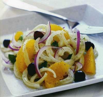 Il contorno light ideale per il pranzo di Natale? L'insalata invernale e gustosa