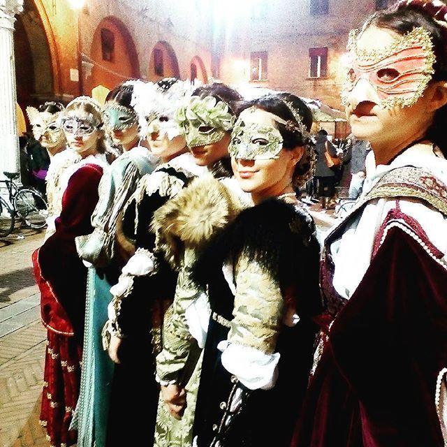 @iaiamcm Le Dame Spiritose #rinascife2016 #carnevalerinascimentaleferrara #rionesantospiritoferrara #dame #bellissime #igersferrara #viviferrara #vivoferrara #volgoferrara #volgoitalia #ferrara #comunediferrara #carnevale #rinascimento #rinascimentoitaliano #maschere #igers #igersemiliaromagna #igersemilia #igersitalia #myferrara #turismoferrara #ig_emilia_romagna #lovesferrara #loves_emiliaromagna