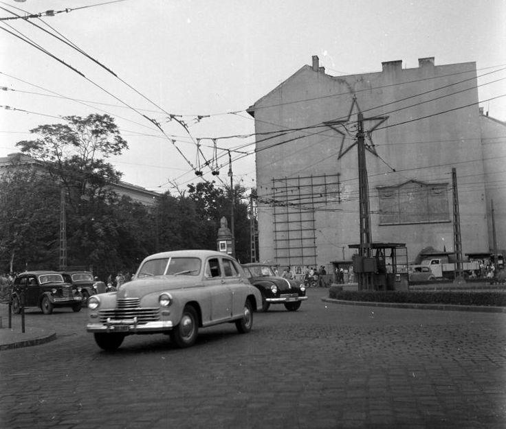 year: 1954  image ID: 03720  hits: 11310 / 28936  orig: UVATERV / Kálvin tér.