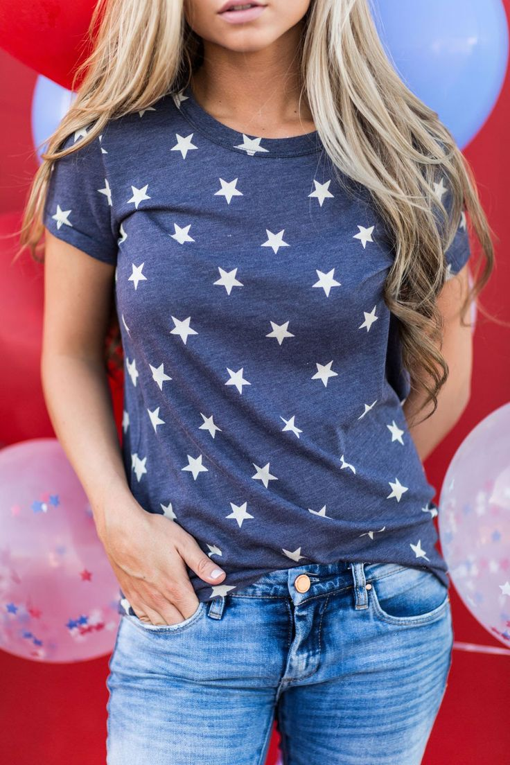 star tee, JessaKae, fourth of july, 4th of july, 4th of july tee, graphic tee, patriotic, blonde, hair, blonde, memorial day