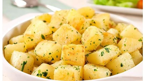 A batata souté é um acompanhamento perfeito para vários pratos. Confira a receita tradicional que é uma delícia!