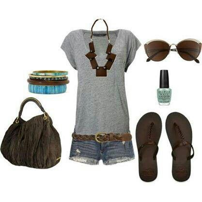 Looks like a great new style, Simple tee and shorts with adorable accessories <3.