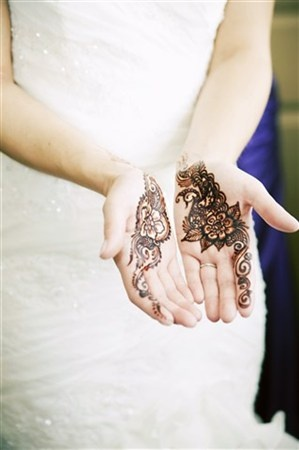 pretty wedding henna-  care of Kim Brennan of Hasina Mehndi in Winnipeg