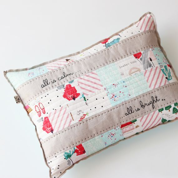Merry&bright cushion.  Free tutorial and pattern.