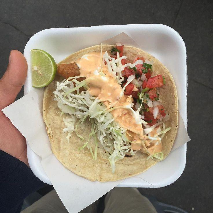 un Taquito de pescado del Fénix Ensenada Style! Provecho!  #CamperaConcierge  #Ensenada