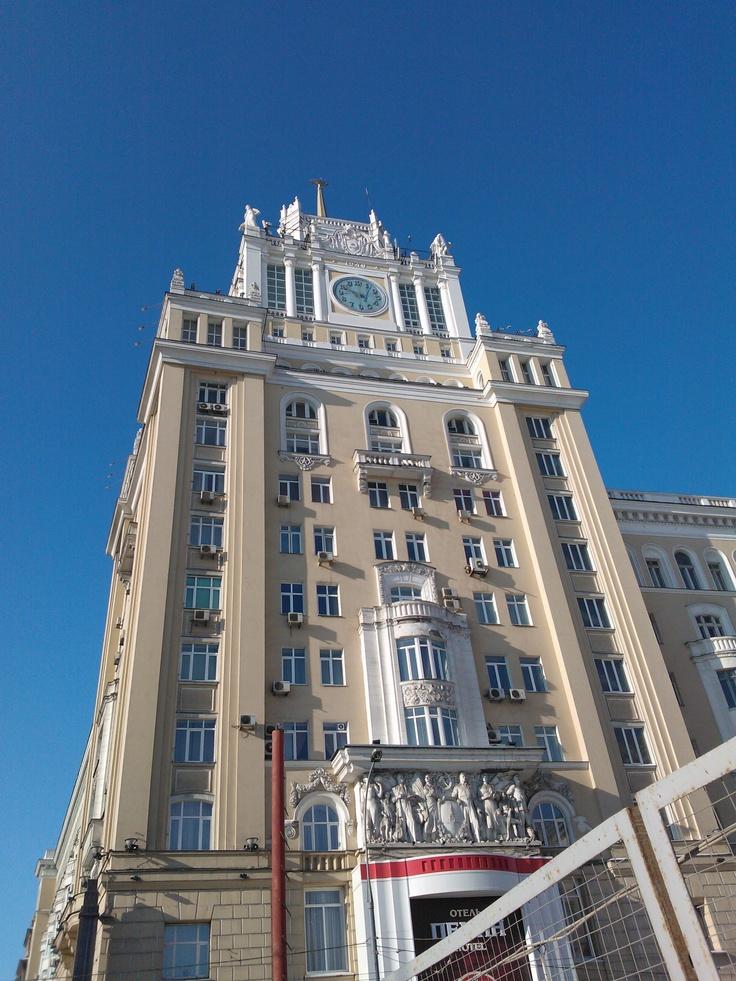 Buidling on Mayakovskaya square