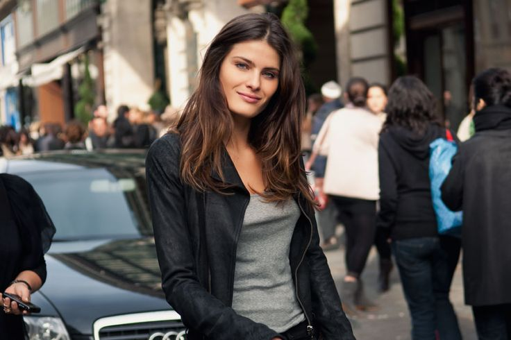 Middle Part: Street Fashion, Isabeli Fontana, Casual Outfit, Favourit Casual, Colorstyl Today, Hairwhat Colorstyl, Hair Length, Hair Color, Fantastic Style