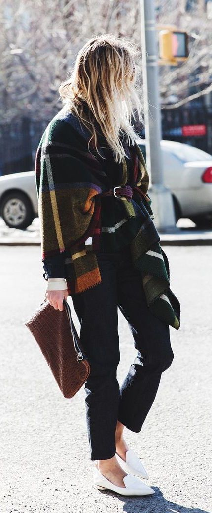 #fall #fashion / plaid poncho + leather clutch