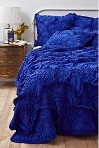 blue.: Ruffle, Bedspreads, Beds Spreads, Cobalt Blue, Blue Bedrooms, Royals Blue, Blue Beds, Colors Blue, Guest Rooms