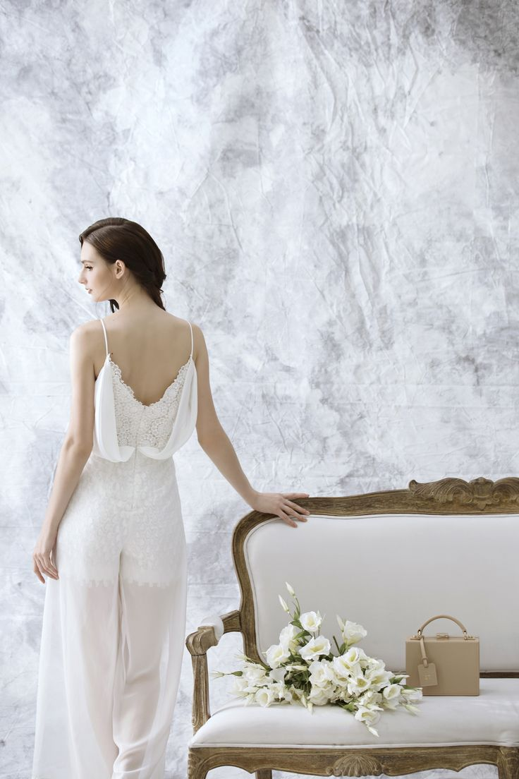 Wendy Jumpsuit – Be blown away by its back! Dreamweaver, the finest jumpsuit with ethereal spell has arrived.
