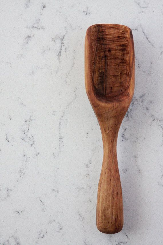 » This spoon is made from Wormy Spalted Maple.  « Spoon is perfect for any dry ingredients.  » The length of this spoon is 9 1/4  « Our