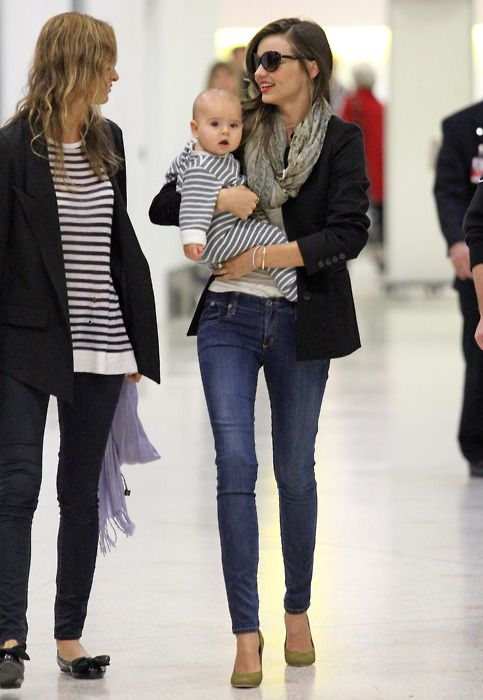 good simple mom outfits 16