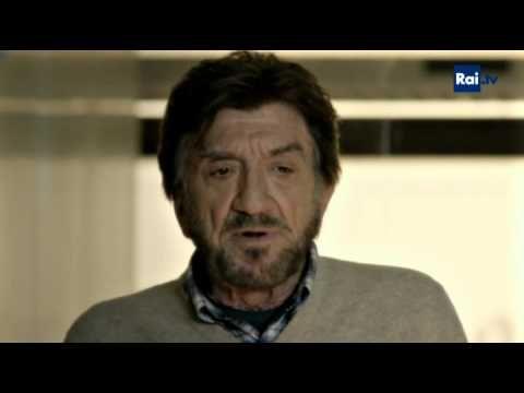 """Gigi Proietti - La barzelletta della """"moglie sorda"""" - Una pallottola nel cuore - YouTube"""