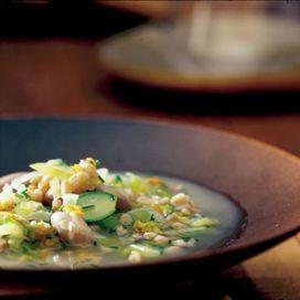 Minestrone di zucchine al farro | Donna Moderna