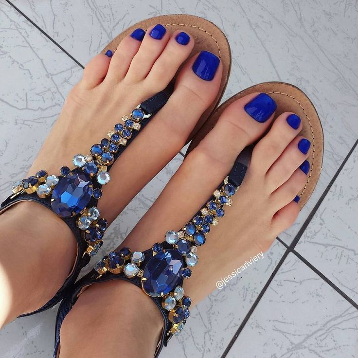 Best 25+ Blue toe nails ideas on Pinterest