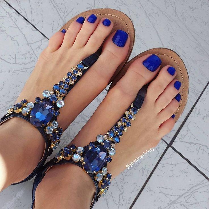 Best 25+ Blue toe nails ideas on Pinterest   Blue toes ...