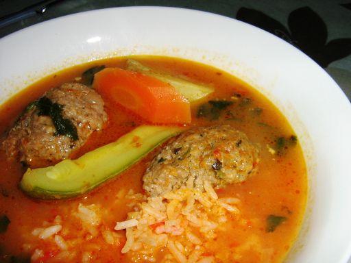 Albondigas en caldo con verduras receta - Albondigas con verduras ...