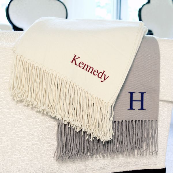 how amazing would these throw blankets be as gifts or guest favors